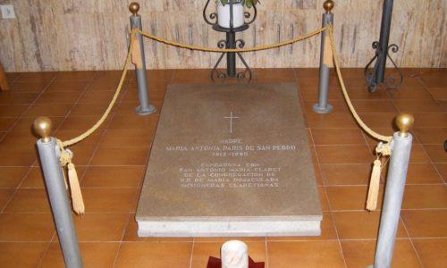 tumba madre fundadora